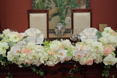 冬の装花 目黒雅叙園さまへ  トルコキキョウと胡蝶蘭_a0042928_22172360.jpg
