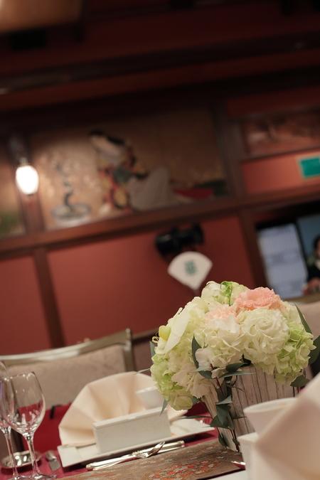 冬の装花 目黒雅叙園さまへ  トルコキキョウと胡蝶蘭_a0042928_22301811.jpg