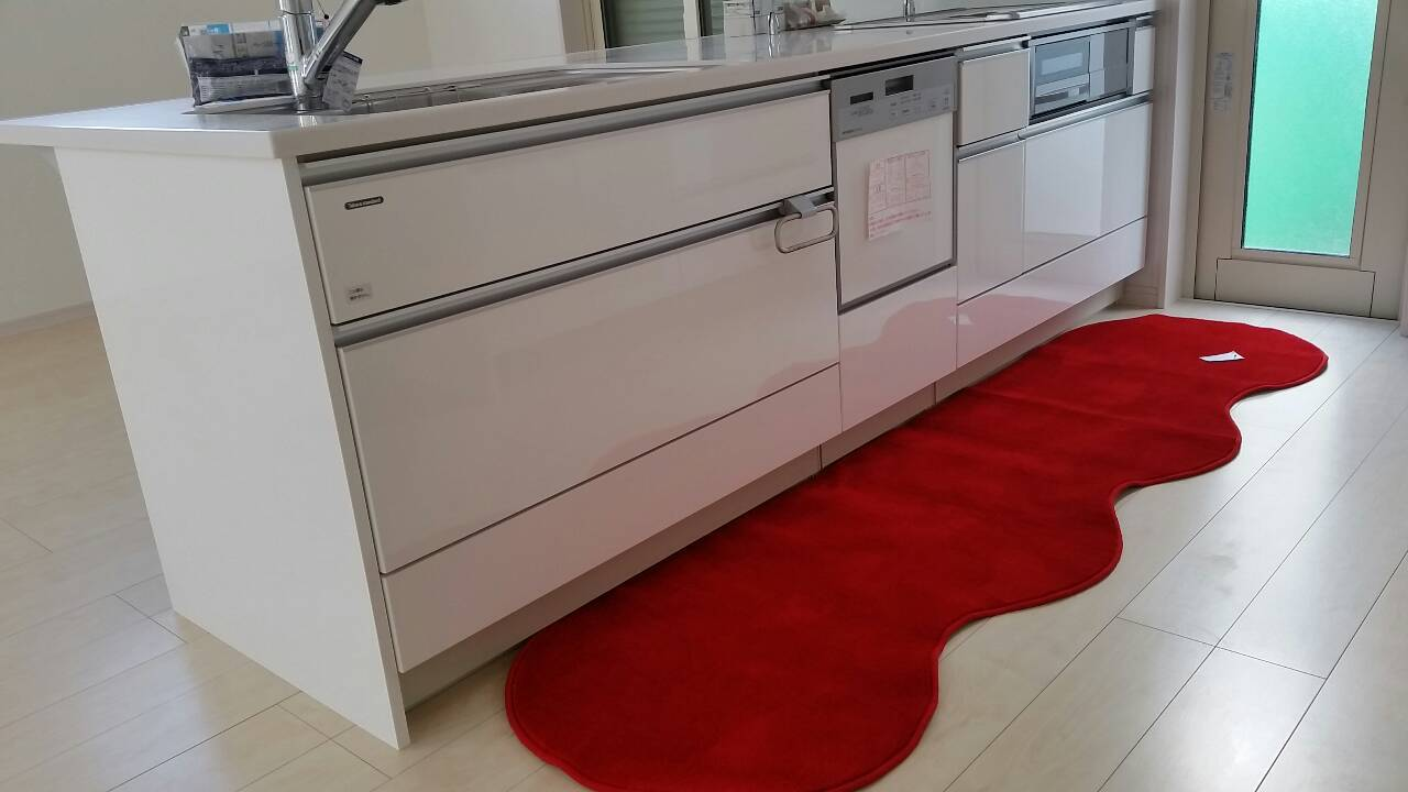 赤のキッチンマット : ねことお ...