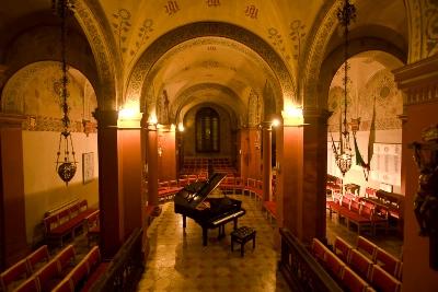 年末年始はフィレンツェで安くオペラに触れよう!_a0136671_20443924.jpg