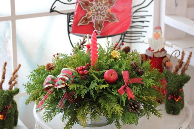クリスマスのアレンジメントとマカロンキャンドル_a0292194_1854473.jpg