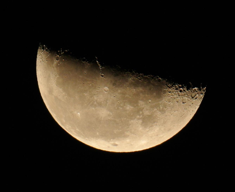 2014年12月15日未明の月(月齢22.1)_e0089232_14173523.jpg