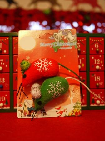【ゆきねこ雑貨店】クリスマスカラーのサンタクロースねずみ&雪柄キラキラボールねずみセット。_a0143140_1181215.jpg
