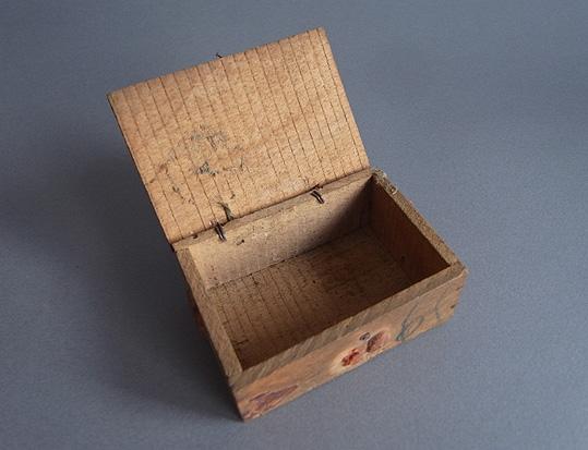 郵便用の小箱_e0111789_11113695.jpg
