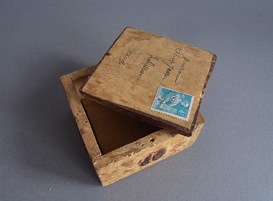 郵便用の小箱_e0111789_11133183.jpg