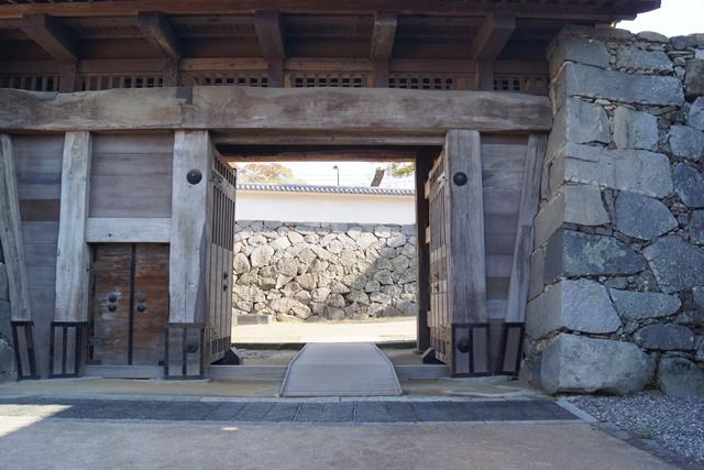 軍師黒田官兵衛・黒田長政が残した福岡城を訪ねて・・・・秋の博多の旅 秋の黒田城_d0181492_14163863.jpg