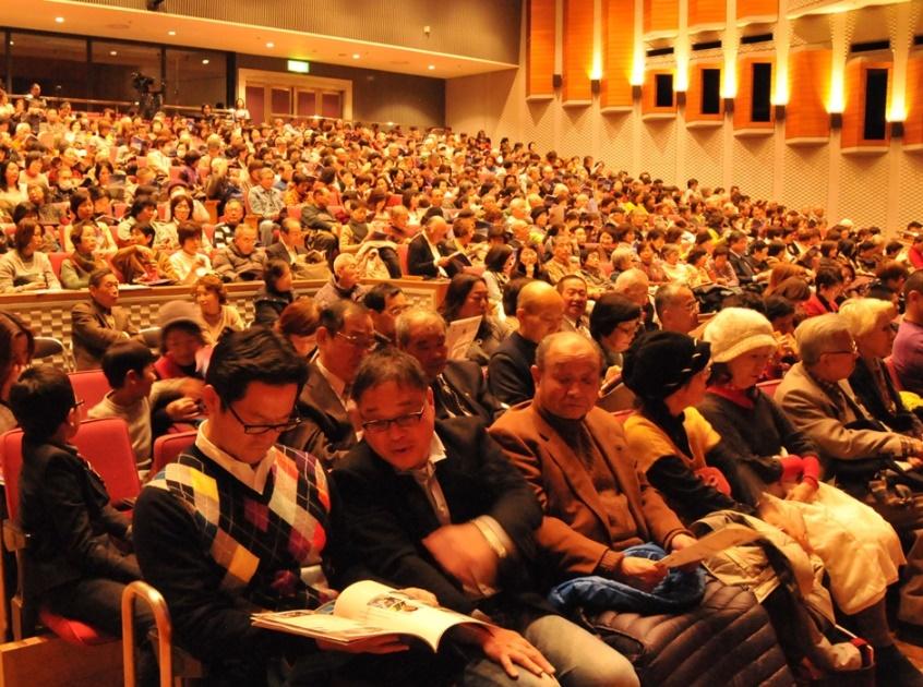 来日20周年記念コンサートin大阪 (1)_c0162404_3454154.jpg