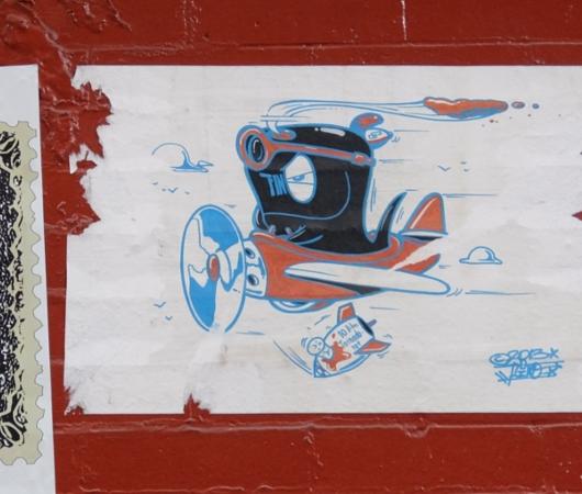SOHOにステッカー、ポスター、チョークの街角アート増加中_b0007805_22145110.jpg