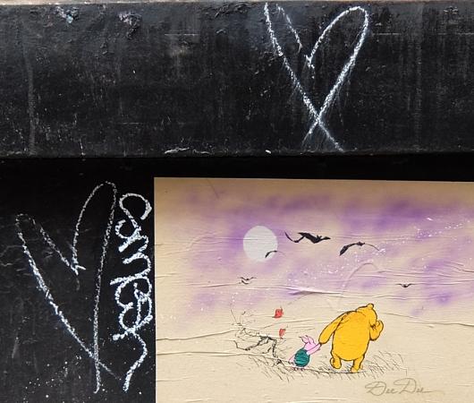 SOHOにステッカー、ポスター、チョークの街角アート増加中_b0007805_227267.jpg
