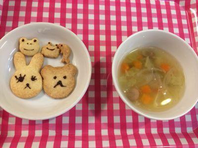 12月16日の給食。クッキー作りをしました!_c0293682_17281120.jpg