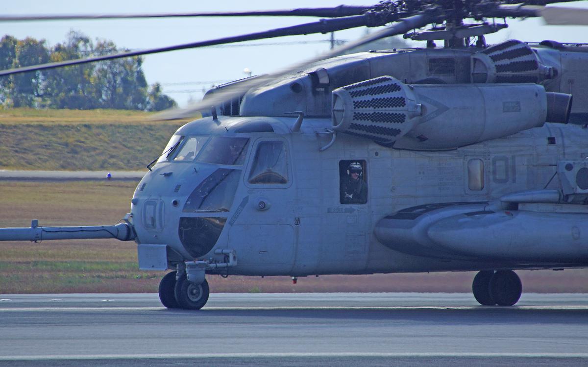 アメリカ海兵隊ヘリコプター。_b0044115_827151.jpg