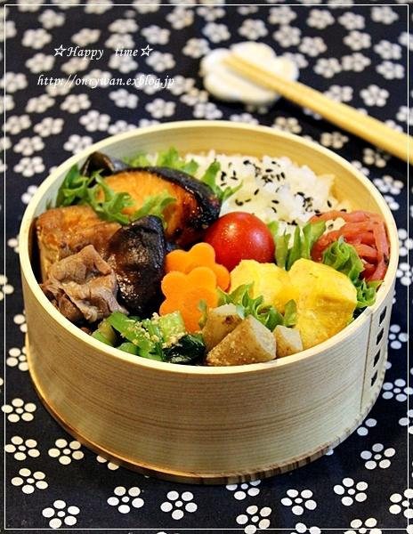 鮭の西京焼きとすき煮弁当とココアシフォン♪_f0348032_19025604.jpg