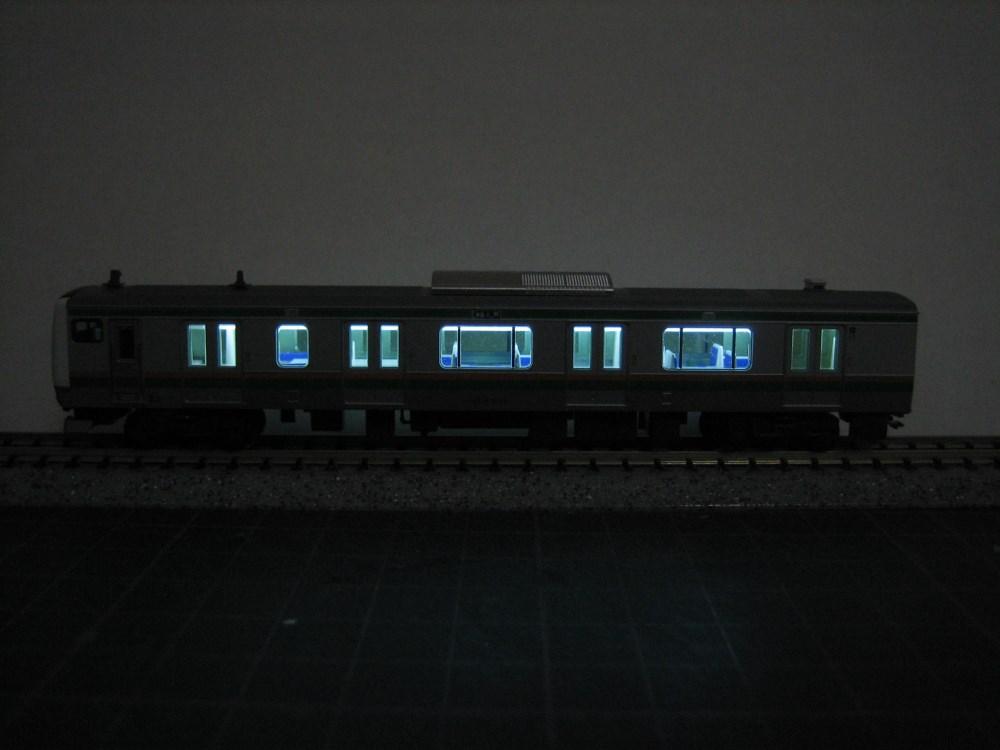 KATO E233系3000番台をイジろう その1_e0120143_22281657.jpg