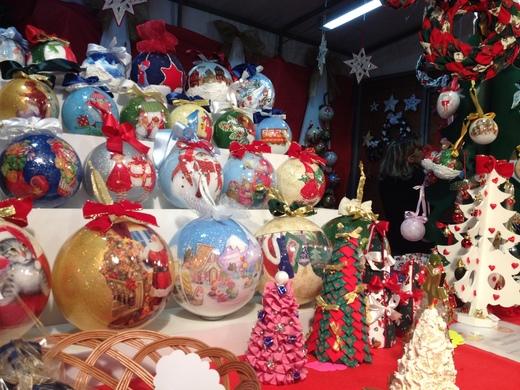 サンタ・クローチェ教会のクリスマス・マーケット_a0136671_203119.jpg