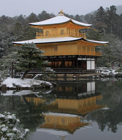 雪の金閣寺_e0048413_18275716.jpg
