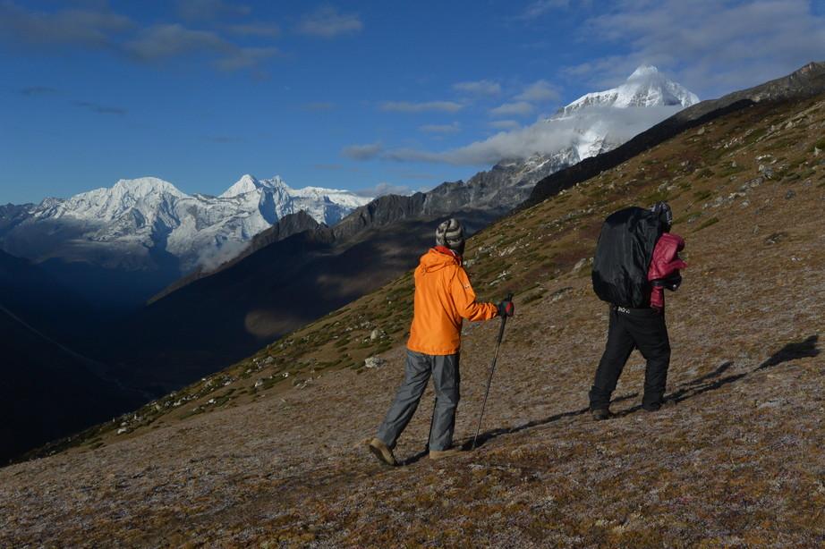 """2014年10月 『エヴェレスト・三峠越えトレッキング』 October 2014 \""""Three Pass Crossing in Everest\"""" _c0219616_2051323.jpg"""
