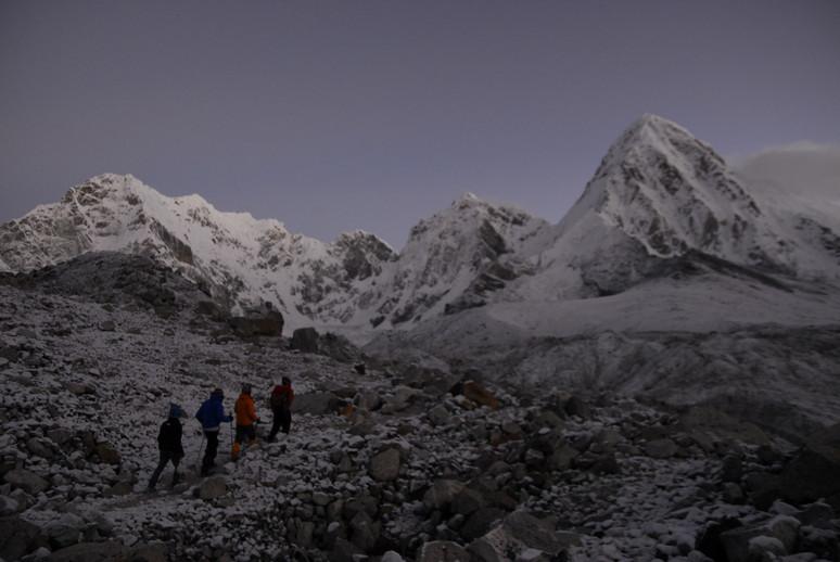 """2014年10月 『エヴェレスト・三峠越えトレッキング』 October 2014 \""""Three Pass Crossing in Everest\"""" _c0219616_217245.jpg"""