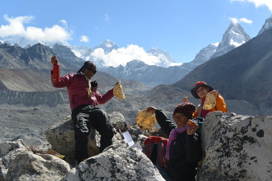 """2014年10月 『エヴェレスト・三峠越えトレッキング』 October 2014 \""""Three Pass Crossing in Everest\"""" _c0219616_2226161.jpg"""