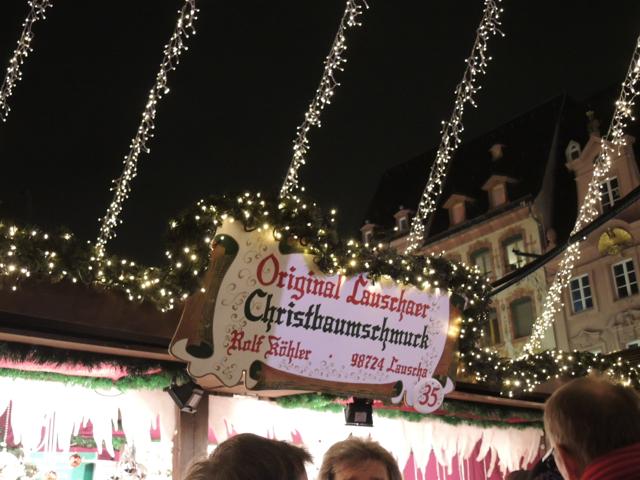 クリスマス市の屋台の看板_e0175918_20475458.jpg