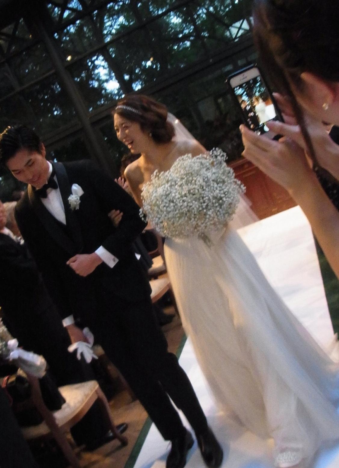 花嫁さんの笑顔にまさるものは無い 秋の装花 リストランテASO様へ_a0042928_2138692.jpg