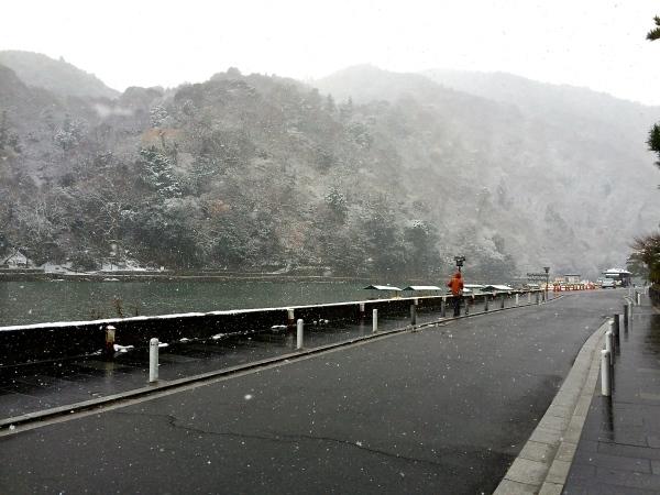 雪化粧の嵐山_a0197730_20513722.jpg