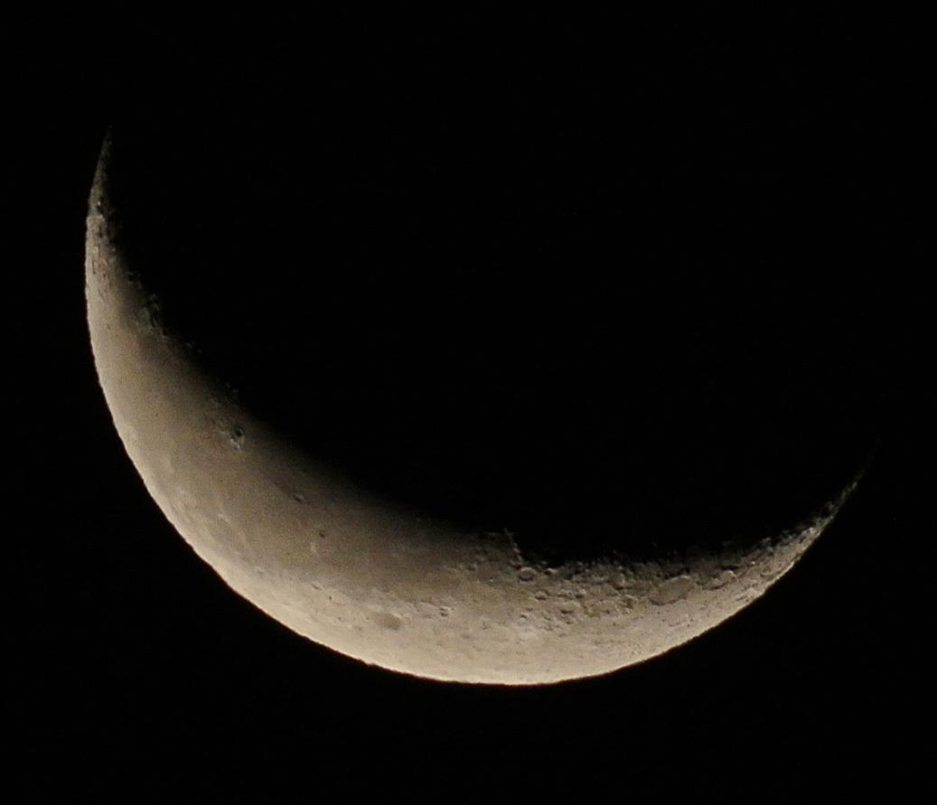 未明の月、有明の月(月齢25.3~25.5)_e0089232_08253086.jpg