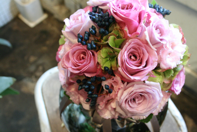 ピンク紫のラウンドクラッチブーケ♫_e0149863_23382359.jpg