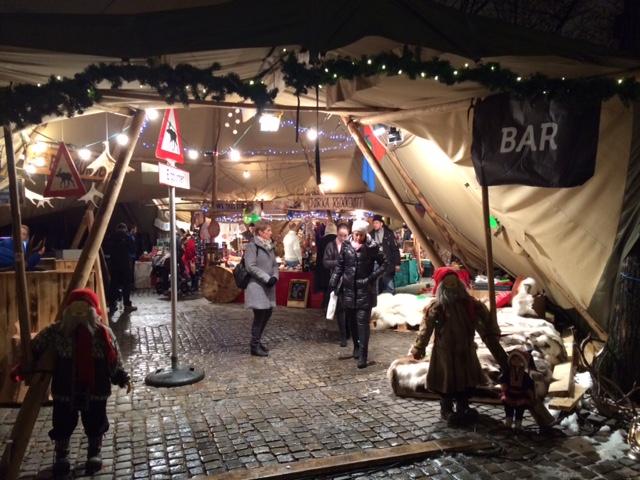 カールヨハン通りのクリスマスマーケット_a0229904_18562943.jpg