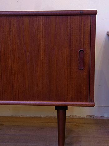 sideboard_c0139773_18323348.jpg