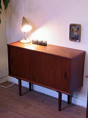 sideboard_c0139773_1832450.jpg