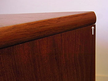 sideboard_c0139773_18325818.jpg