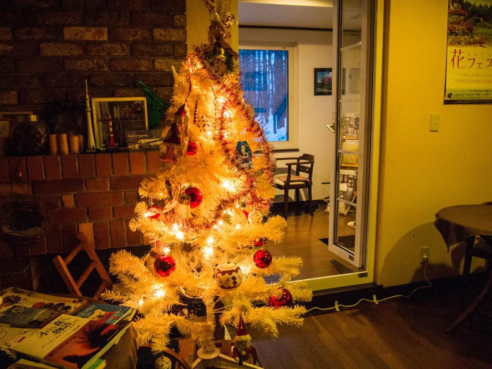 """今年もカンタベリーの""""白いクリスマスツリー""""が点灯しました。_f0276498_18433516.jpg"""