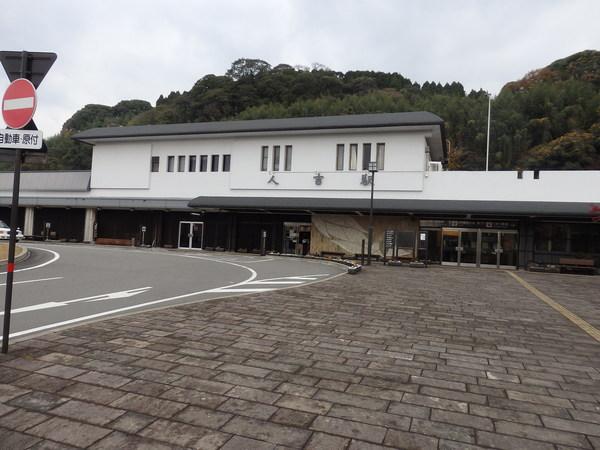 人吉駅前_f0337554_1763785.jpg