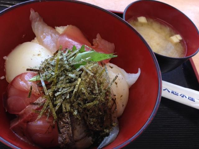 コスパ抜群の海鮮丼_d0161959_949694.jpg