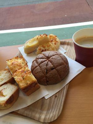 恒例のパン活動@meguro OGGI_c0267598_23284782.jpg