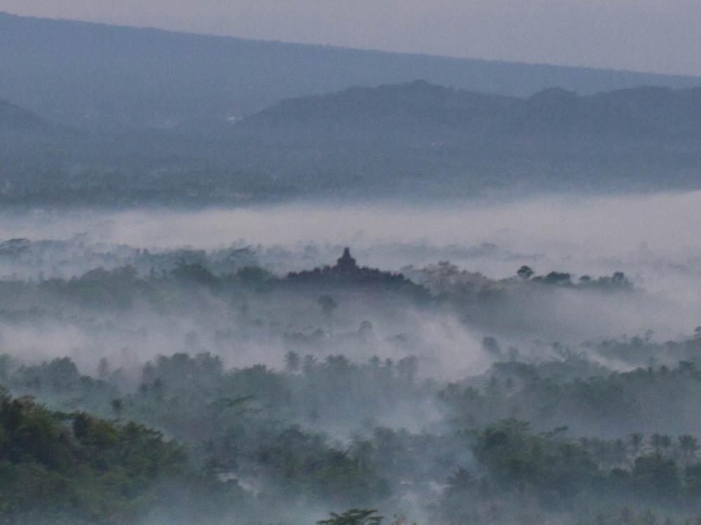 2014ジャワ島バリ島シンガポールvol.4~世界一の仏教遺跡ボロブドゥール~_f0276498_18325525.jpg