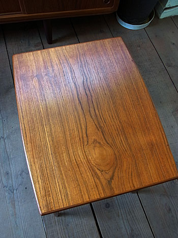 nesting table(Jens H.Quistgaard)_c0139773_16532384.jpg