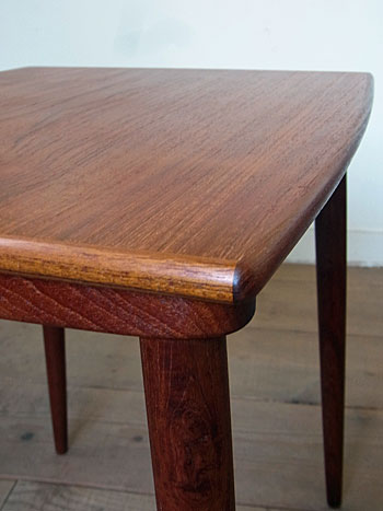nesting table(Jens H.Quistgaard)_c0139773_16533346.jpg