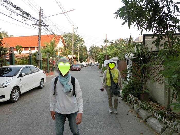 散歩中に・・・_a0199979_12351019.jpg