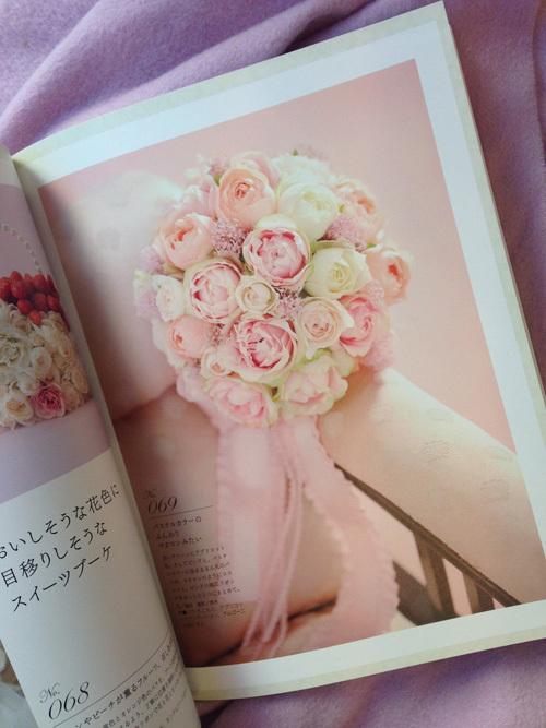 花時間特別編集 人気の花別ウェディングブーケ247 掲載いただいてます_a0115684_18222487.jpg