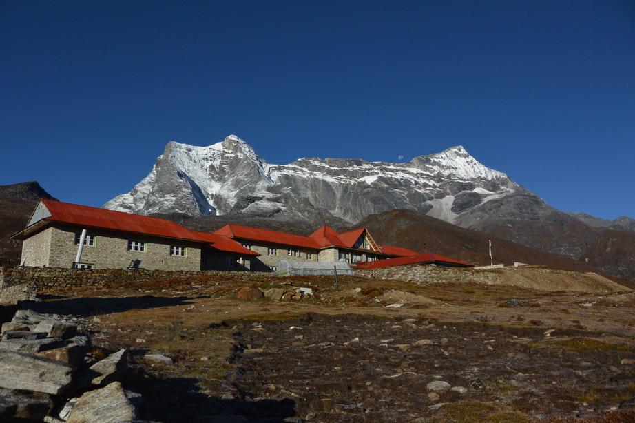 """2014年10月 『エヴェレスト・三峠越えトレッキング』 October 2014 \""""Three Pass Crossing in Everest\"""" _c0219616_21485194.jpg"""