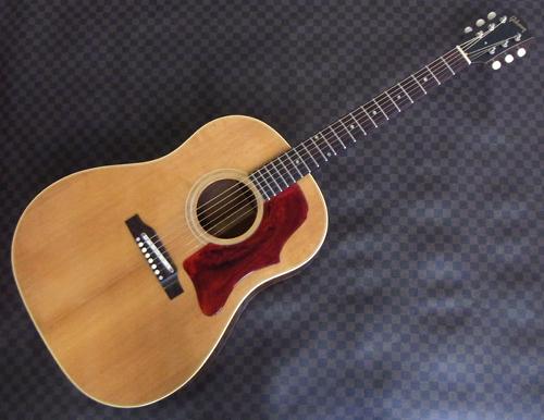 セラミック・サドル搭載「\'65年製 Gibson J-50」が入荷!_e0053731_1443958.jpg