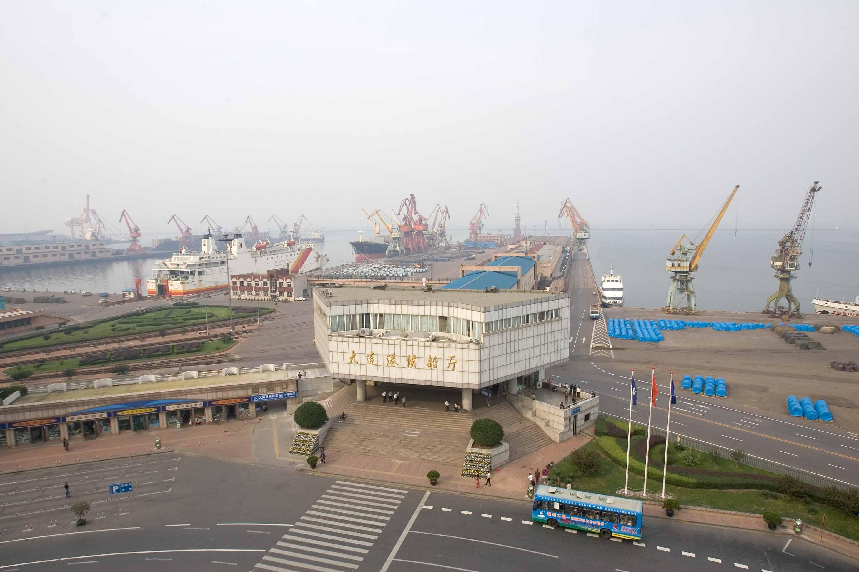 ショック!? あの『ラストエンペラー』に出てくる大連港の名所がなくなってしまった_b0235153_13242989.jpg