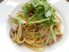 本日パスタ:豚肉とエリンギ&舞茸の和風スパゲティ_a0116684_1132880.jpg