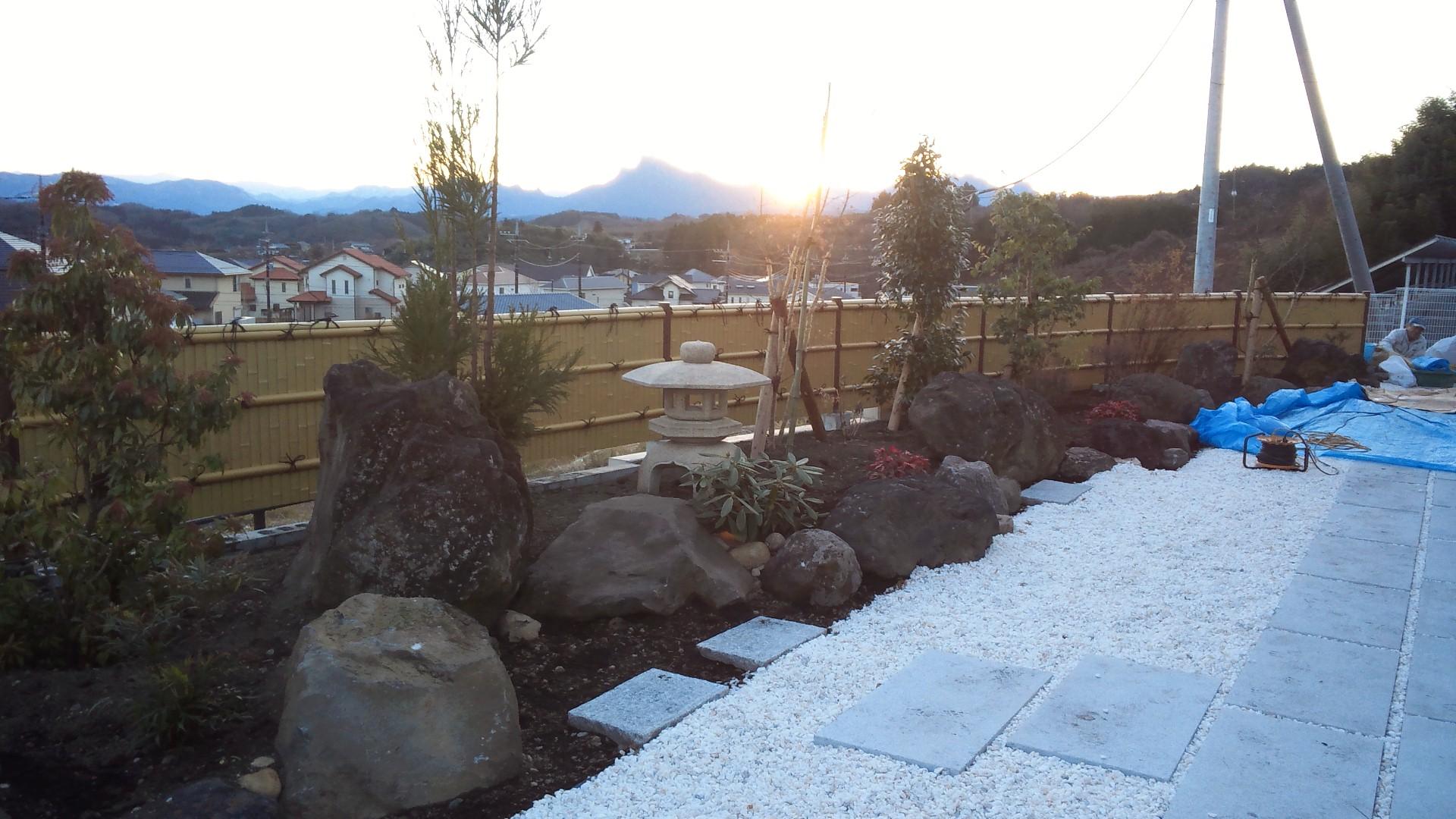 造園工事完了!!_c0066693_1834575.jpg
