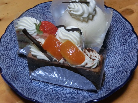 ケーキにおせんべ_a0203003_17205098.jpg