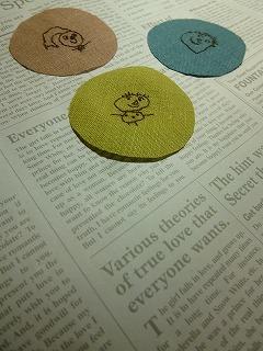 embroidery     くるみボタンをインテリアに♪_a0165160_07092721.jpg