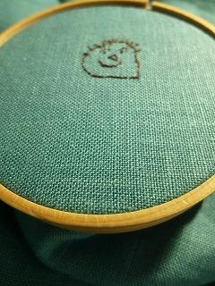 embroidery     くるみボタンをインテリアに♪_a0165160_07235710.jpg