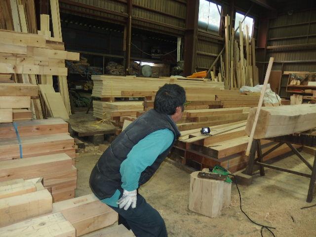 川井の家 大工の墨付けが進行中。_f0105112_6323949.jpg