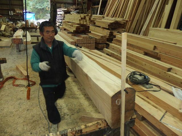 川井の家 大工の墨付けが進行中。_f0105112_634370.jpg